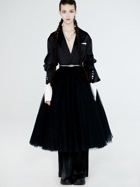 DevilBeauty女装品牌2020春夏V领收腰黑色紧身网纱连衣裙