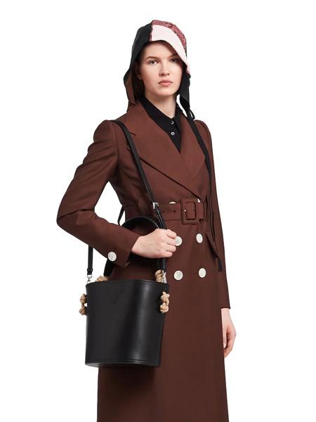 普拉达箱包品牌2020春夏黑色单肩包
