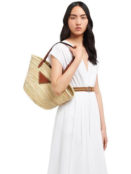 普拉达箱包品牌2020春夏米色编织手提包