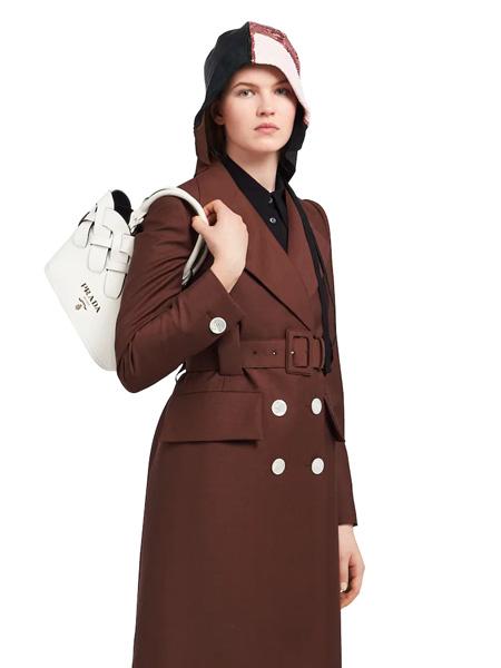 普拉达箱包品牌2020春夏白色编织手提包