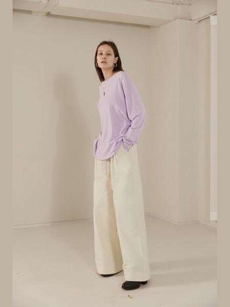 The Centaur女装品牌2020春夏紫色上衣薄款