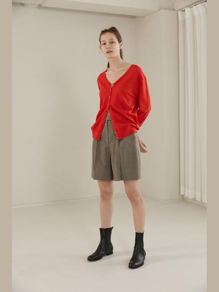 The Centaur女装品牌2020春夏红色针织衫短裤