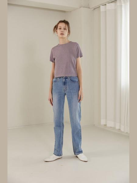 The Centaur女装品牌2020春夏T恤灰紫色