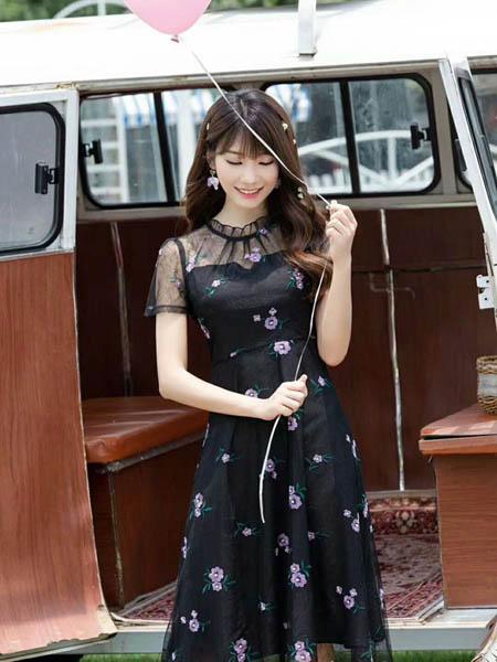 时格女装品牌2020春夏网纱修身连衣裙