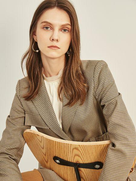 迪卡轩女装品牌2020秋季格纹西装外套