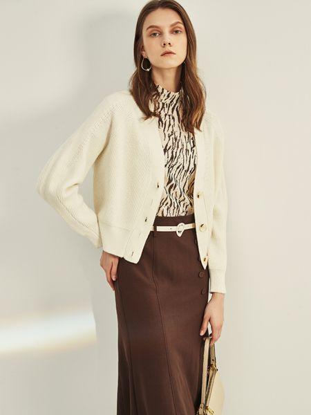 迪卡轩女装品牌2020秋季白色针织衫薄款外套