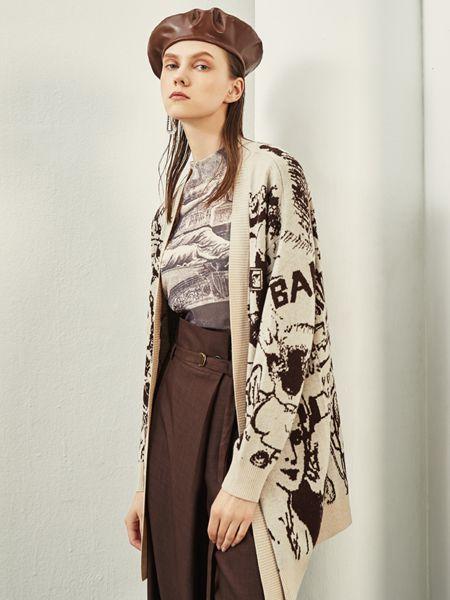 迪卡轩女装品牌2020秋季中长款米色外套