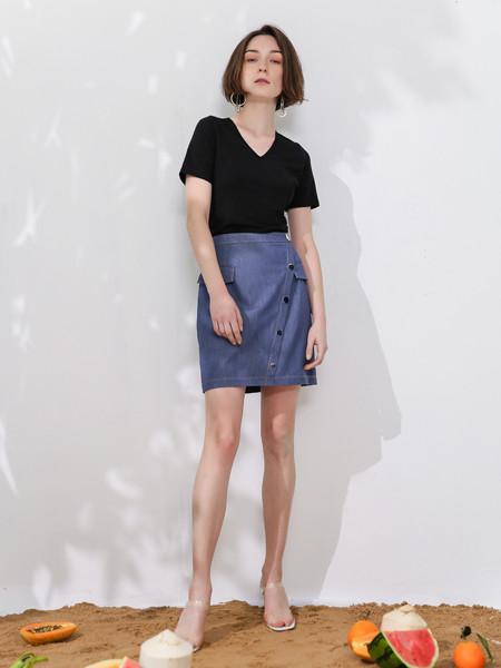 SASLAX莎斯莱思女装品牌2020春夏纯色显瘦v领短袖