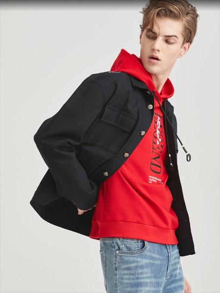 空间男装品牌2020春黑色外套红色连帽卫衣