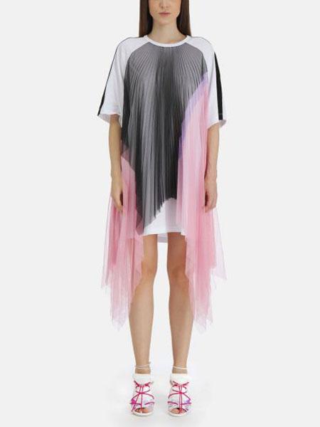 Iceberg���H品牌白色T恤�B衣裙多色雪�覆�w