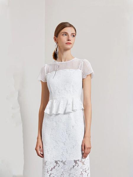 莱芙.艾迪儿女装品牌2020春夏圆领白色修身连衣裙蕾丝边