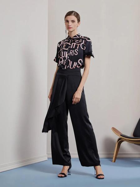 莱芙.艾迪儿女装品牌2020春夏字母黑色衬衫黑色长裤