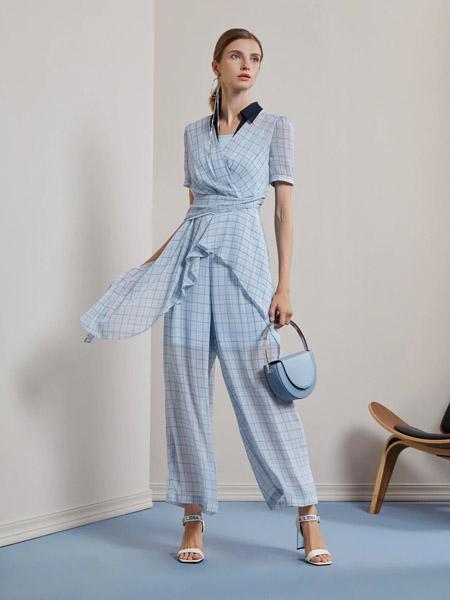 莱芙.艾迪儿女装品牌2020春夏大格纹V领雪纺套装裤子