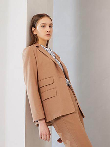 SUYAN溯岩女装品牌2020秋冬浅咖色西装套装