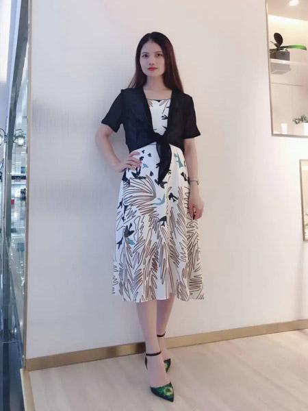 伯妮斯茵ERNIEELEN女装品牌2020春夏黑色--短外套--空谷幽兰--《洛神赋》