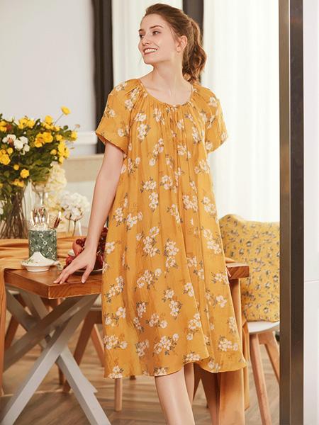 诺曼蒂克女装品牌2020春夏圆领黄色碎花连衣裙