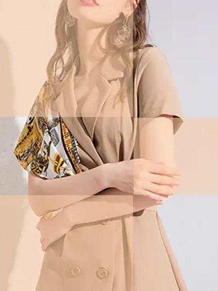 蓝缇儿女装品牌2020春夏卡其色V领西装套装