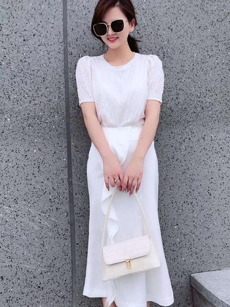 E+女装品牌2020春夏圆领白色收腰连衣裙