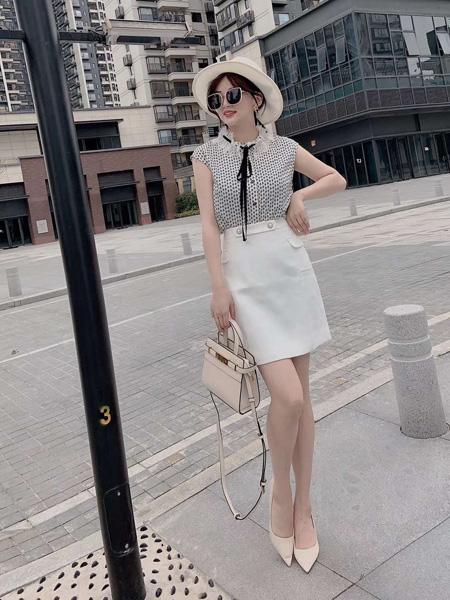 E+女装品牌2020春夏波点雪纺衫黑色蝴蝶结系带