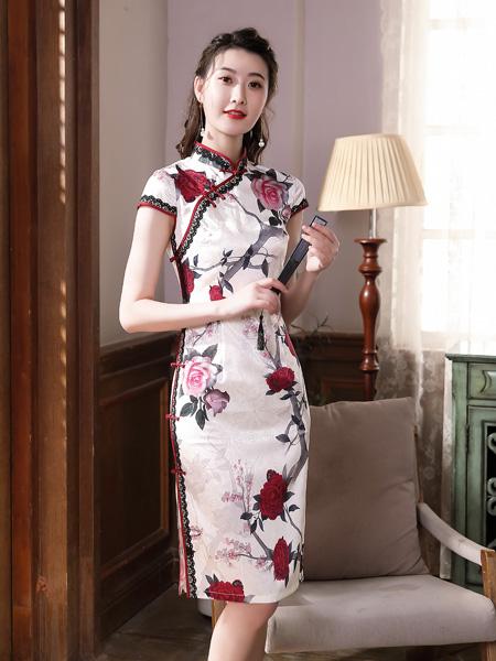 唐雅阁女装品牌2020春夏米色花朵旗袍连衣裙