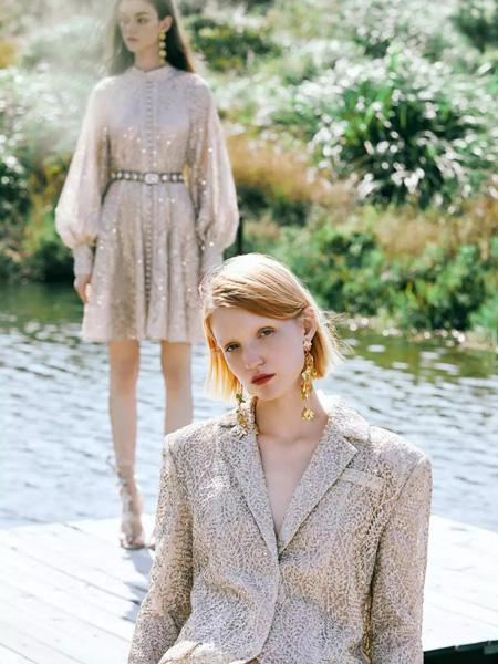 朗美睿女装品牌2020春夏银色V领西装套装