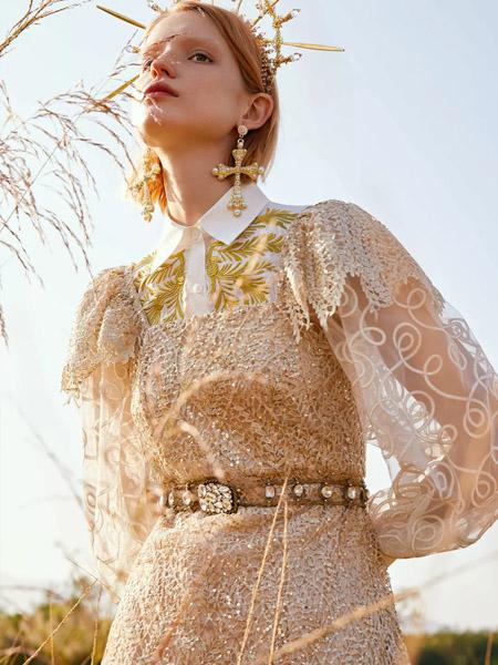朗美睿女装品牌2020春夏翻领银黄色连衣裙