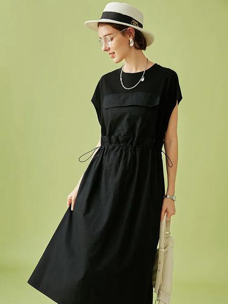 云上生活女装品牌2020春夏圆领黑色修身连衣裙