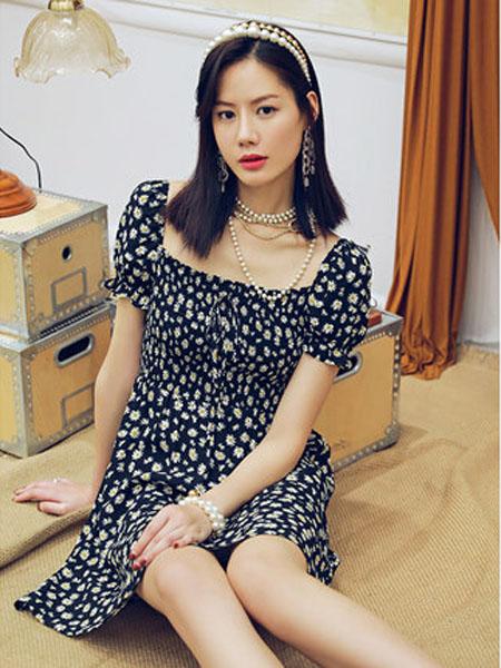 N-ONE女装品牌2020春夏小雏菊连衣裙复古方领收腰碎花裙