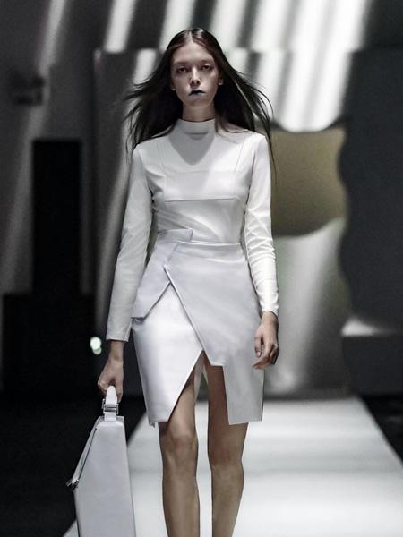 JTKZHENG女装品牌2020春夏圆领白色开叉连衣裙
