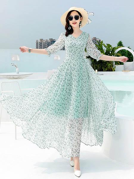 圆子靓女装品牌2020春夏度假海边雪纺连衣裙