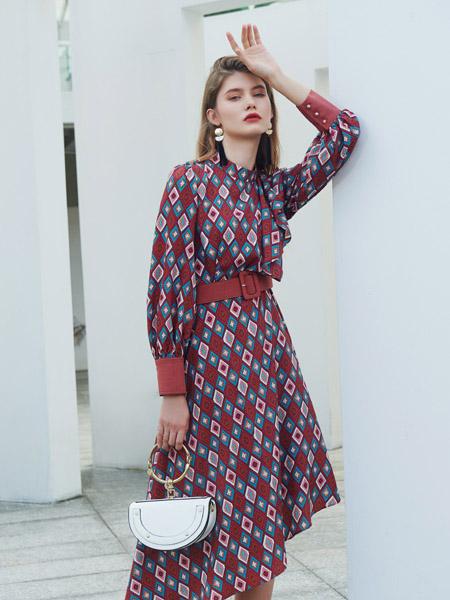 例格女装品牌2020秋季大红色收腰几何图连衣裙