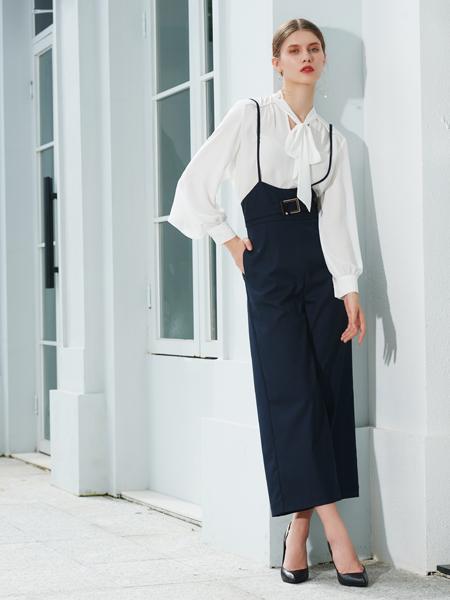 例格女装品牌2020秋季白色长袖藏蓝色吊带背带裙