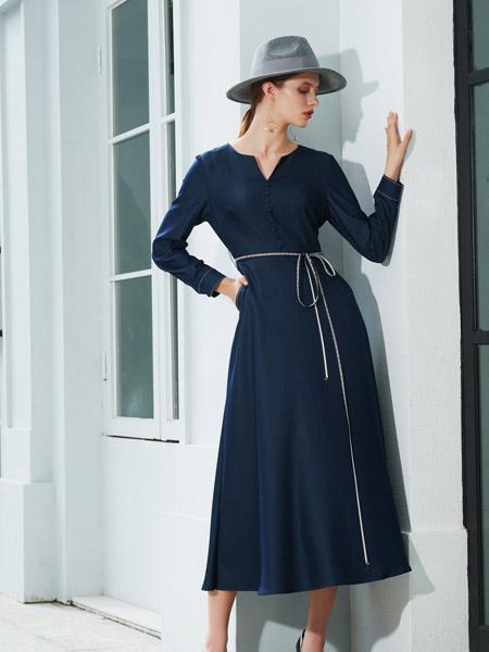 例格女装品牌2020秋季V领藏蓝色连衣裙