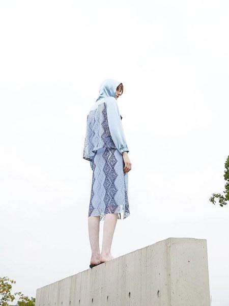 落地客女装品牌2020春夏新款纯色印花连衣裙