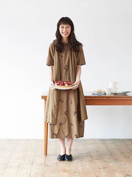 芬理希梦女装品牌2020春夏工装小个子连衣裙