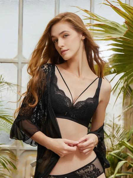杰奎琳内衣品牌2020秋季蕾丝深V黑色内衣套装
