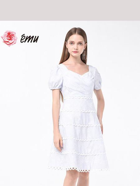 依妙女装品牌2020春夏emu/依妙法式白色泡泡袖连衣裙女神范夏收腰显瘦洋气公主裙子气质