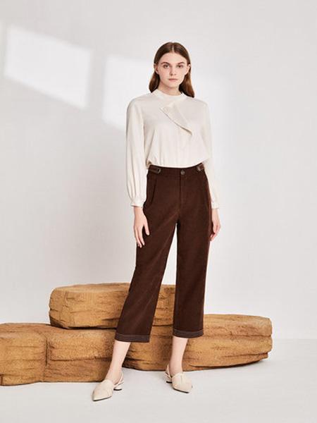EMIVA艾蜜唯娅女装品牌2020秋季圆领米色衬衫雪纺衫