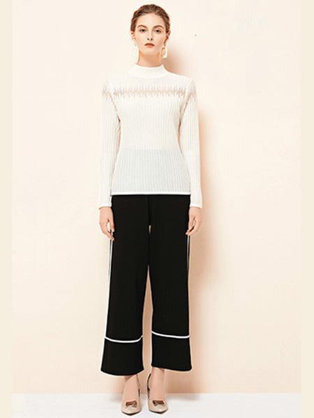 雅意娜菲女装品牌2020秋冬圆领白色针织衫