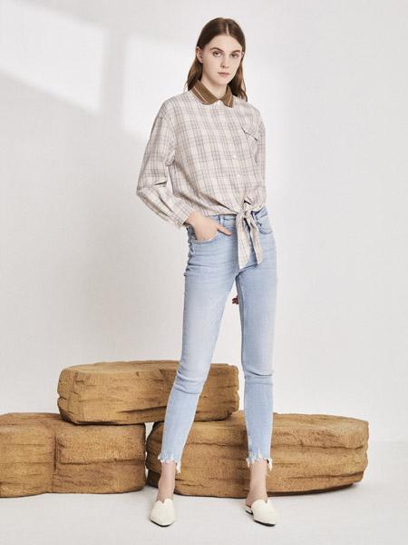 你即永恒女装品牌2020秋季灰色格纹翻领衬衫