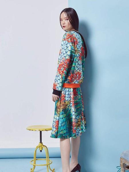 趙贝勒PRINCE ZHAO女装品牌2020春夏青色波浪纹套装