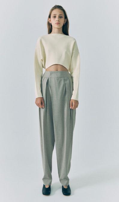 LOW CLASSIC女装品牌2020秋冬休闲露脐针织衫