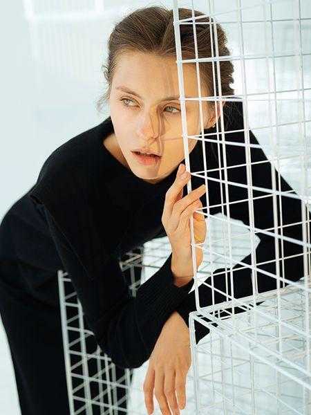 容子木女装品牌2020秋季圆领黑色紧身上衣