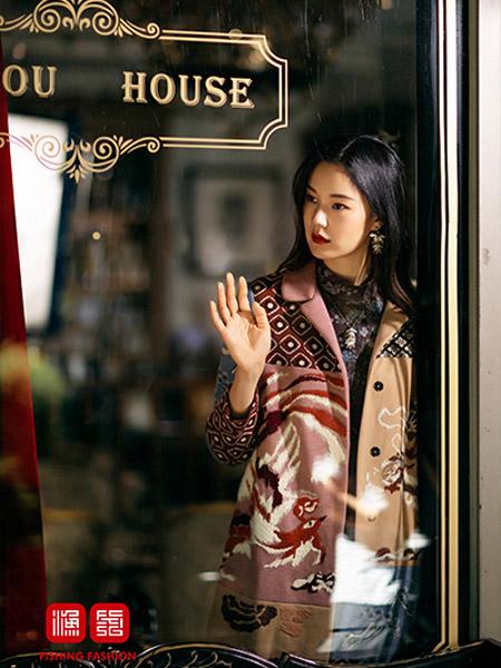 渔女装品牌2020秋季刺绣鸟图外套风衣