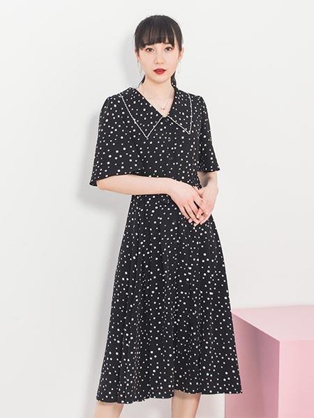 莱茨女装品牌2020春夏知性复古波点连衣裙