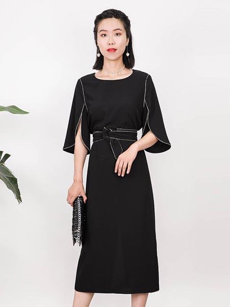 莱茨女装品牌2020春夏性感知性连衣裙
