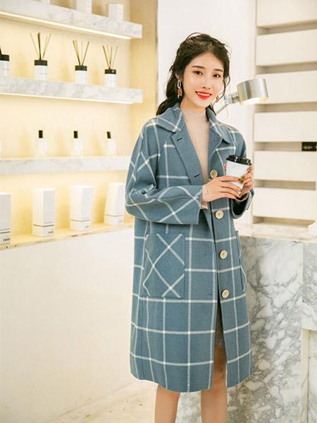 SC女装品牌2020秋季蓝色大格纹风衣外套