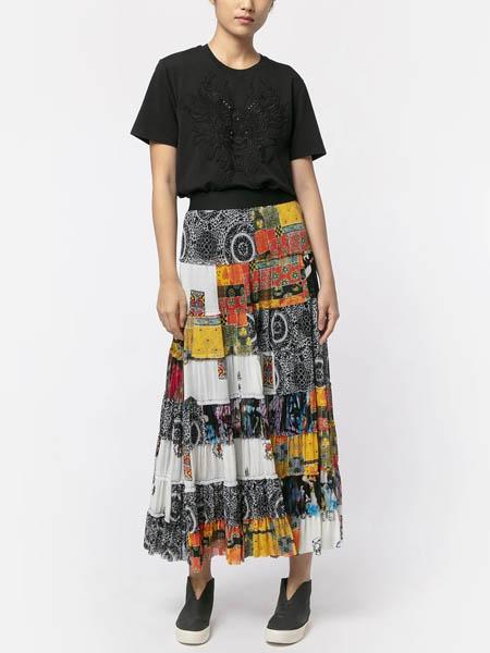 viviennetam国际品牌元素风伞裙半身裙