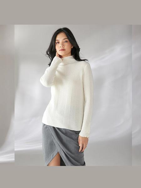 日神女装品牌日神半高领时尚羊绒衫女秋冬新款洋气薄款打底喇叭袖高贵毛衣