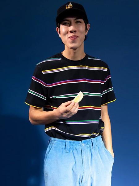 NOAH休闲品牌2020春夏纯棉条纹短袖
